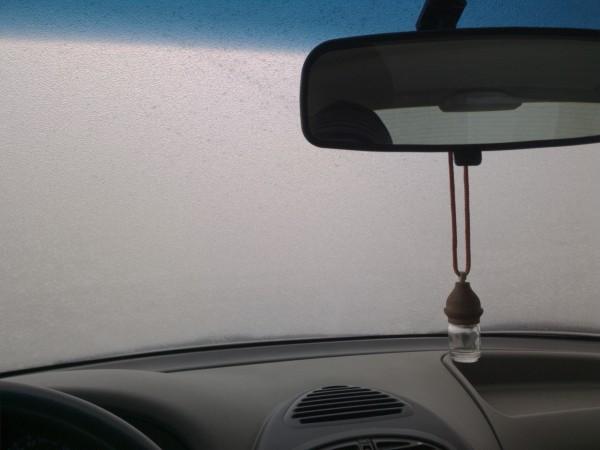 Машина в ледяной глазури